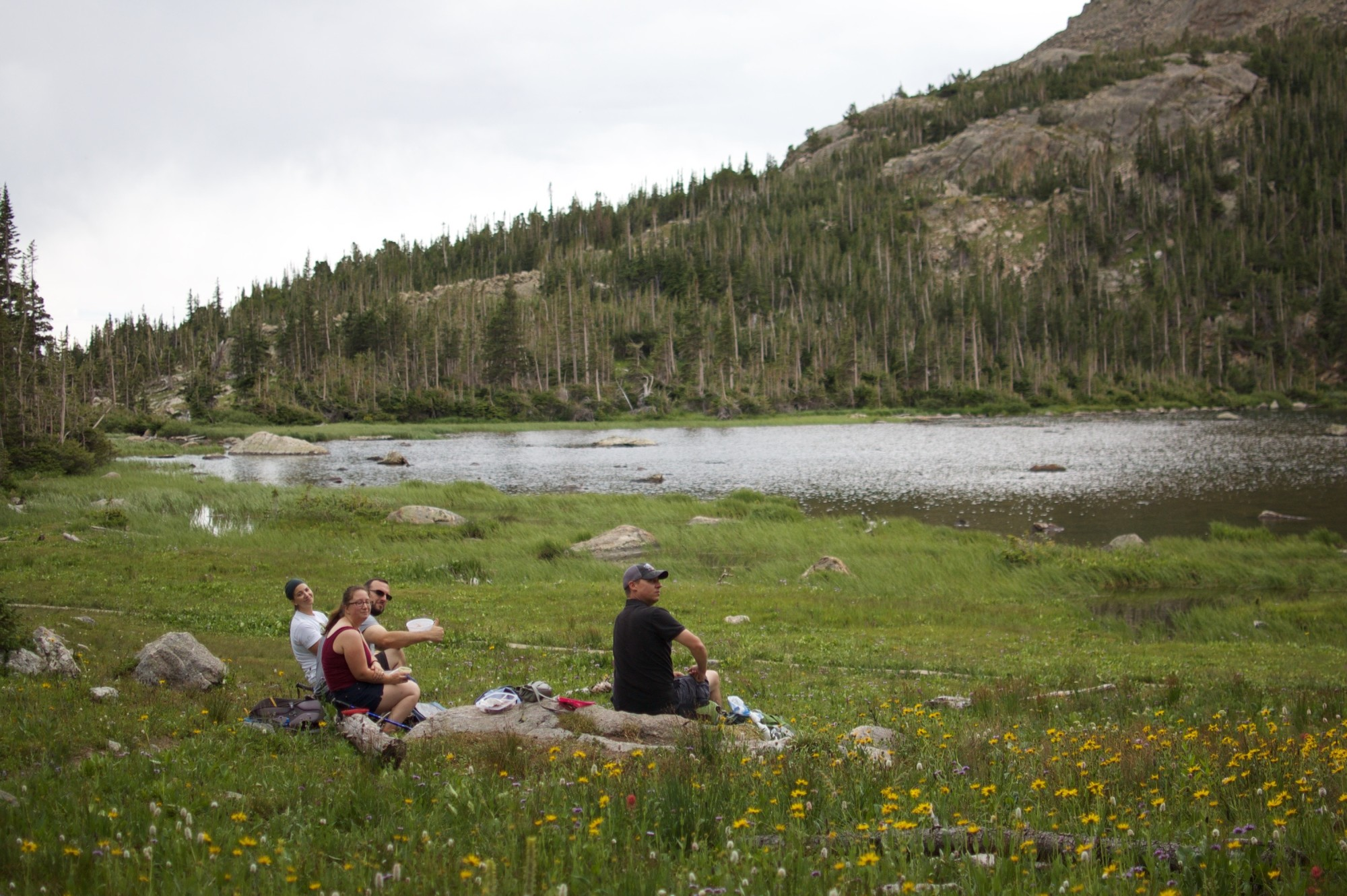 Diamond Lake hikers