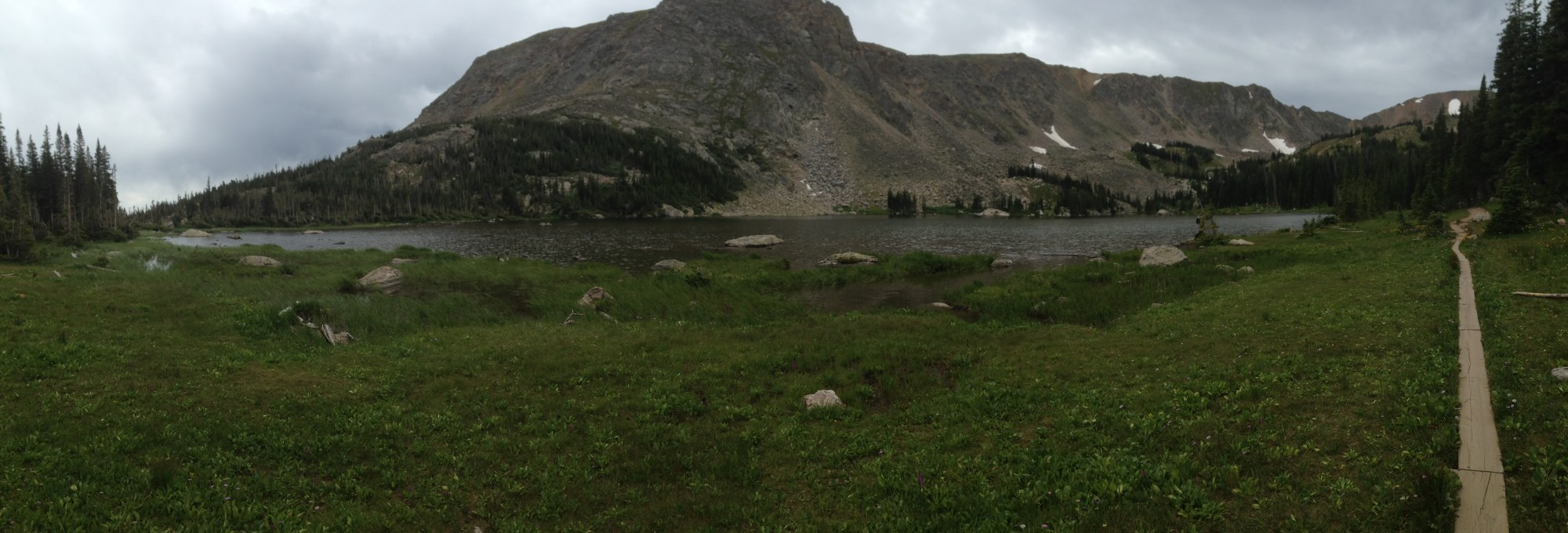 Panorama of Diamond Lake